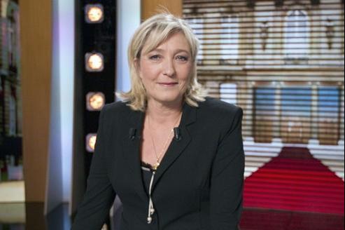 Marine Le Pen, candidate FN à la présidentielle, a affirmé lundi qu'elle prendrait la décision de dérembourser l'avortement en cas de besoins budgétaires, pour privilégier les actes médicaux «qui ne peuvent pas être évités».