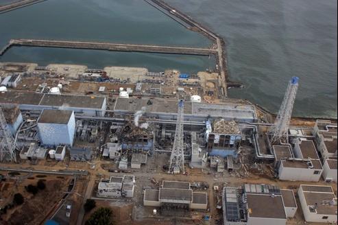 Vue aérienne de la centrale de Fukushima, peu de temps après la catastrophe.