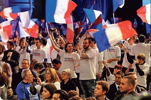 Jeunes supporteurs de Nicolas Sarkozy et tee-shirts «made in Finistère», à Marseille, le 19 février dernier.