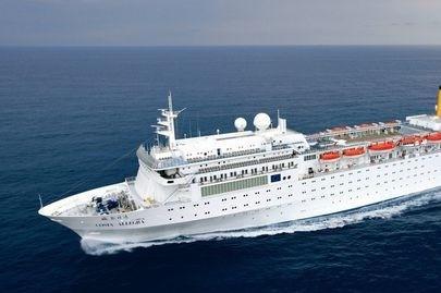 Chaque jour, plus de 300 paquebots de croisière naviguent aux quatre coins du monde.