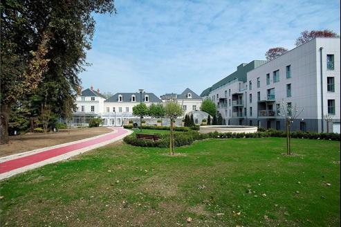 le Parc Belmont à Tours, création récente du groupe Domitys mêle résidence séniors, résidence de tourisme et hôtel 4 étoiles.