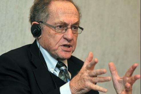 Me Alan Dershowitz, avocat pénaliste américain.