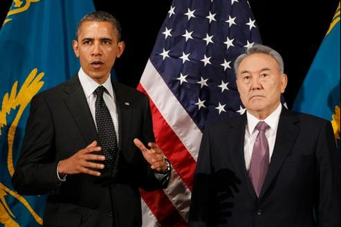 Barack Obama au côté de Noursoultan Nazarbaïev.