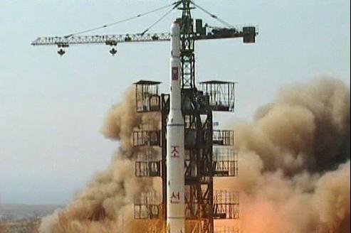 Décolage d'une fusée nord-coréenne, en avril 2009.