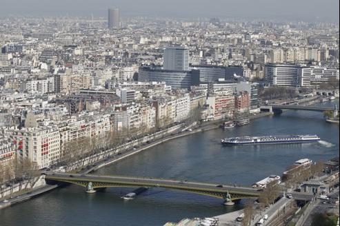 Les notaires misent sur une baisse de 5% à 10% des prix de l'ancien en région parisienne sur 2012.