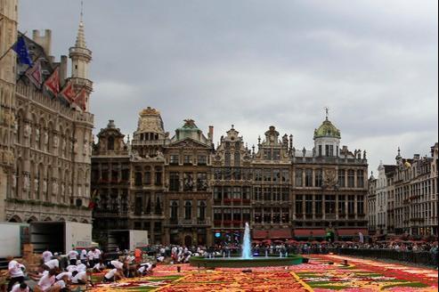 L'exit tax a été créée pour freiner l'exil fiscal, notamment vers la Belgique (ici, la Grand-Place de Bruxelles pendant une exposition florale).