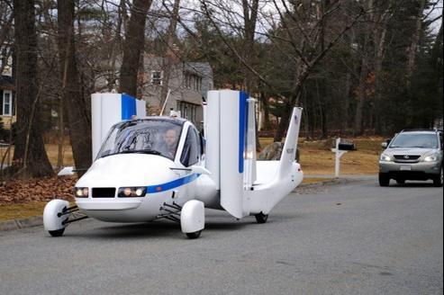 Une fois les ailes déployées, le modèle fait 8 mètres de large. Crédit Photo:Terrafugia
