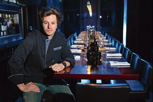 Jean Imbert (ici dans son restaurant L'Acajou, dans le XVIe arrondissement de Paris) a remporté, lundi, la troisième saison de «Top chef».