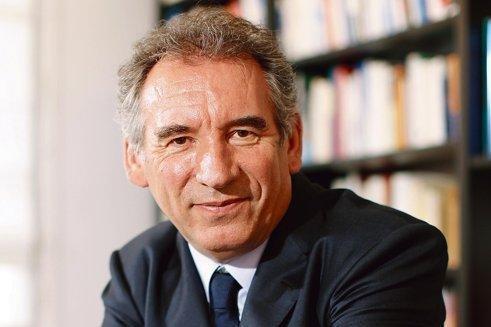 François Bayrou dans son bureau à Paris.