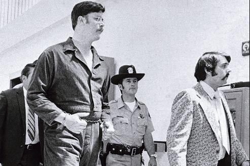 Edmund Kemper,2,10m pour 130kg, est aujourd'hui enfermé à vie dans la prison d'État de Folsom, en Californie (ici, en 1973).