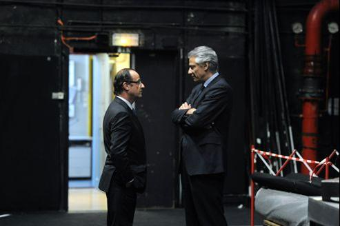 François Hollande et Dominique de Villepin, ici à Strasbourg en juin 2011. Si des proches de l'ancien premier ministre ont pris position pour le candidat socialiste, Dominique de Villepin n'a quant à lui encore rien indiqué sur ses intentions.