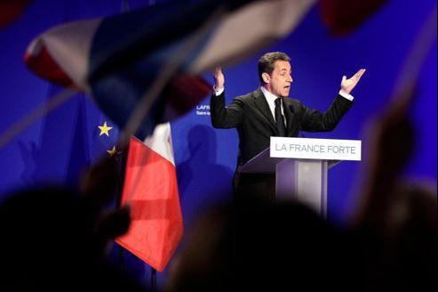 Nicolas Sarkozy, jeudi, à Saint-Maurice. Après 64 jours de campagne, le président-candidat a effectué près d'un déplacement par jour.
