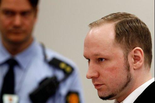 Anders Behring Breivik jeudi devant le tribunal d'Oslo.