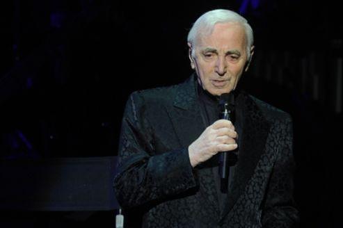 Charles Aznavour en concert à Moscou en décembre 2011.