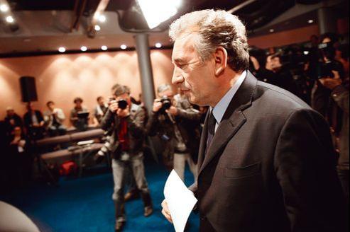 François Bayrou, dimanche soir au siège du MoDem, à Paris. Le leader centriste estime que les 3 millions de Français qui lui ont apporté leurs suffrages représentent une force.