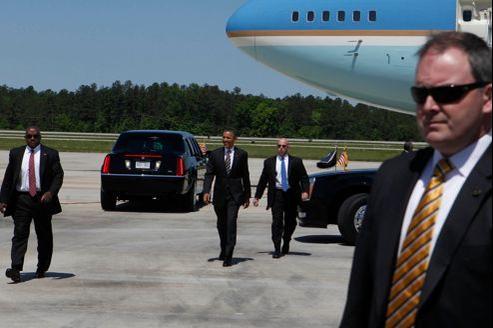 Barack Obama voyage habituellement avec un cortège sécuritaire de 200personnes. Ici, le 24 avril en Caroline du Nord.