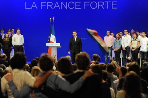 Nicolas Sarkozy en meeting à Toulouse, dimanche. 25.000 ont assisté à son discours, sur place ou grâce à une restransmission dans six autres villes.