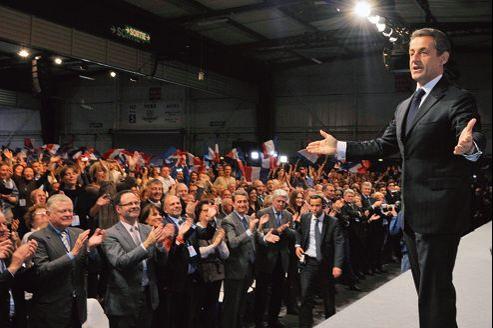 «Je ne me suis jamais autant battu en trente-cinq ans», a confié Nicolas Sarkozy (ici en meeting à Toulouse, dimanche) à l'un de ses proches.