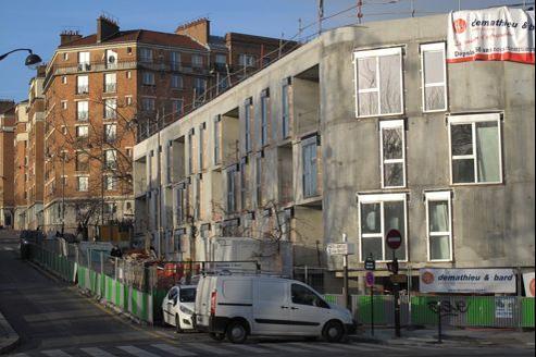 Construction de logements sociaux de la Ville de Paris, rue de la Poterne des Peupliers, dans le XIIIe arrondissement de Paris.