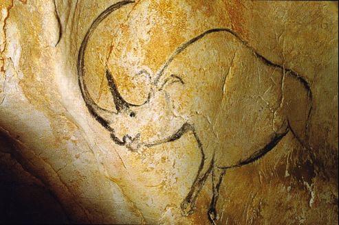 Pour certains experts, il était impossible que des hommes aussi primitifs que ceux de l'aurignacien aient pu avoir une telle maîtrise du dessin et de la peinture.