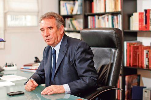Son vote déclaré en faveur de François Hollande, le 22 avril, pourrait porter un coup rude à François Bayrou lors des législatives.