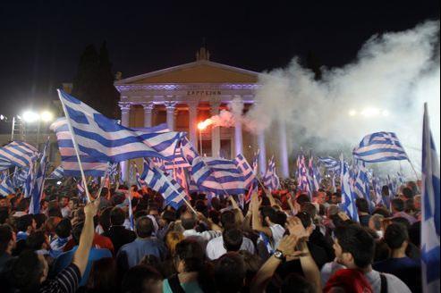 Meeting politique à Athènes. La Grèce ne peut pas survivre au sein de la zone euro sans l'aide internationale.
