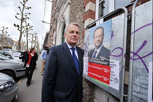 Jean-Marc Ayrault, le 6 mai, avant de voter à Nantes.