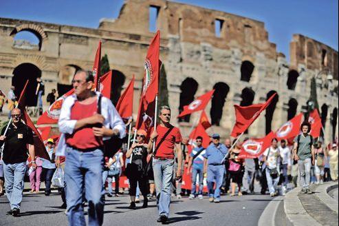 Des milliers de Romains ont manifesté, samedi, contre les mesures d'austérité mises en place par le gouvernement de Mario Monti.