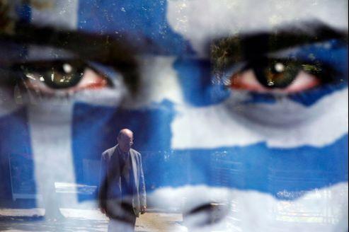 La sortie de la Grèce coûterait directement 302 milliards d'euros aux États et institutions de la zone euro, selon Fitch.