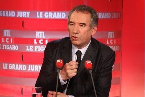 Le président du MoDem, François Bayrou, devra affronter lors des législatives un candidat PS et un UMP dans sa circonscription des Pyrénées-Atlantiques.