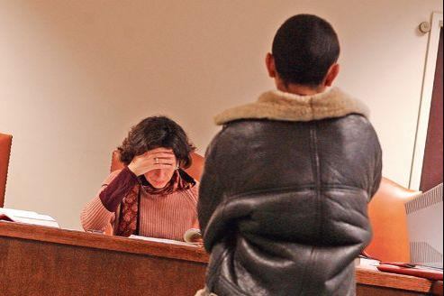 Si le nombre de mineurs condamnés pour des crimes a diminué entre 2007 et 2010, les chiffres des vols avec violence, eux, ont augmenté.