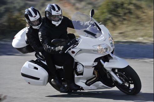 Moto Guzzi Norge GT 8V, le grand tourisme à l'italienne