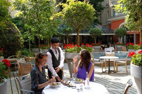 Les nouvelles terrasses de l 39 t 2012 paris for Restaurant le jardin royal monceau