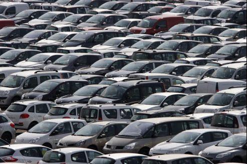 À nombre de jours ouvrables comparables, la baisse des ventes de voitures neuves se limite à 2,9% en mai. Crédit: Jean-Christophe Marmara/Le Figaro