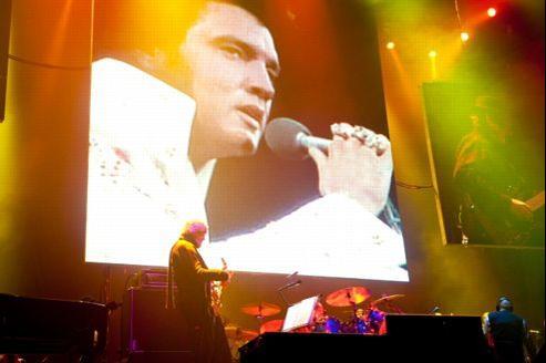 Photo montrant Elvis Presley au concert Wembley Arena, à Londres, le 17 mars 2012.