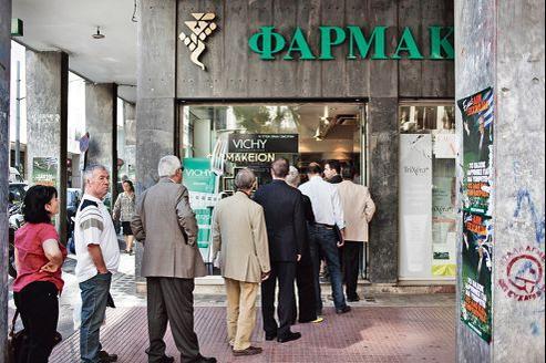 Certaines pharmacies refusent de donner des médicaments sur ordonnance craignant à présent de ne pas être remboursées.