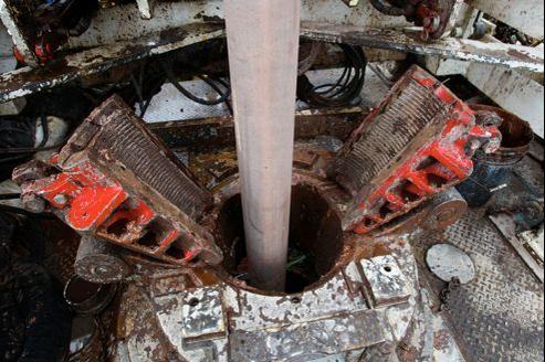 Forage d'un puits dans le Kentucky pour stocker du gaz carbonique émis par une centrale électrique à charbon.