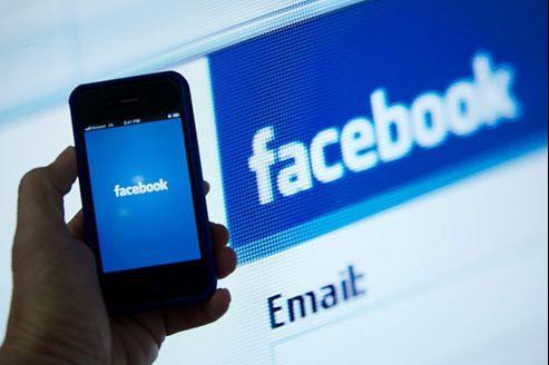 Après une introduction en Bourse catastrophique, Facebook fait désormais face à une baisse de sa fréquentation.