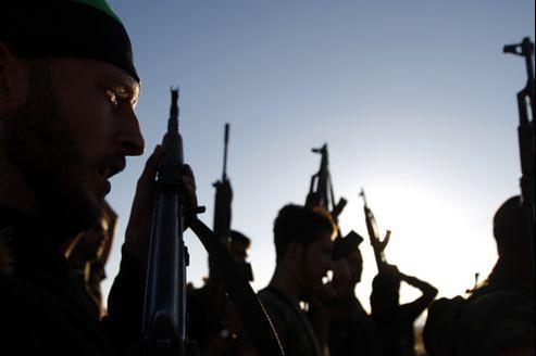 Des combattants de l'Armée syrienne libre s'entraînent.