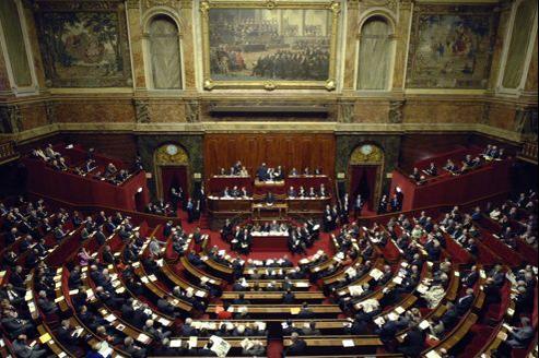 Les Français de l'Étranger sont représentés par onze députés et douze sénateurs.