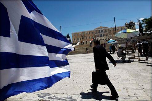 La Grèce compterait au total 692.000 fonctionnaires actuellement.
