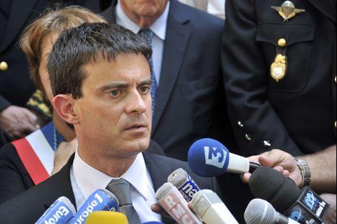 Manuel Valls à Collobrières, dans le Var, le 18 juin.