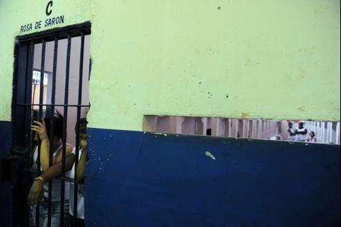 Les prisons brésiliennes sont régulièrement montrées du doigt pour les très mauvaises conditions de vie des détenus.