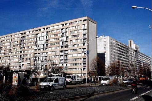Ancien quartier et barres HLM à Gennevilliers, en 2011.