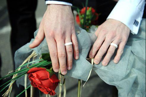 Un «faux» mariage gay, le 15 mai à Lannion.