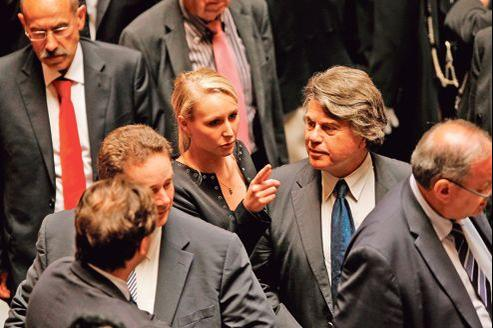 Les deux députés du FN, Marion Maréchal-Le Pen et Gilbert Collard, le 26 juin, lors de l'élection du président de l'Assemblée nationale.