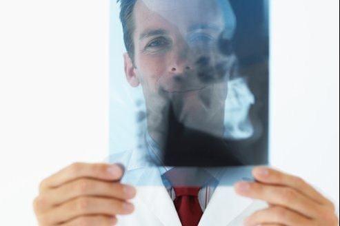 Le nombre de radios du crâne  inutiles en cas de traumatisme simple, pour lequel un examen clinique suffit selon le consensus scientifique  a baissé de 9% dans les mois qui ont suivi les explications de la FHF dans la presse.