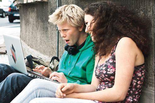 Jusqu'à présent, les adolescents plébiscitaient Facebook mais trop d'obligations et pas assez d'anonymat ont peu à peu raison de cet engouement.