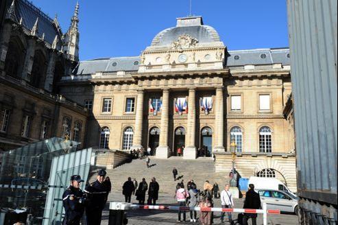 L'enregistrement sonore n'est consultable qu'au palais de justice de Paris.