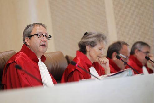 Les juges de la Cour constitutionnelle de Karlsruhe examinent les plaintes déposées contre le mécanisme européen de stabilité.